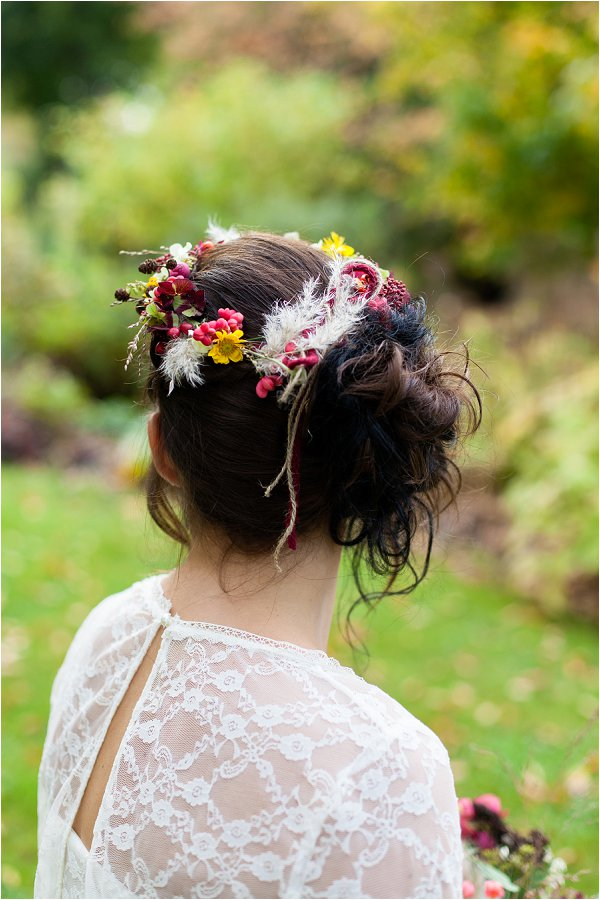 bride flowers in her hair