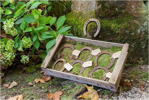 wedding horse shoes