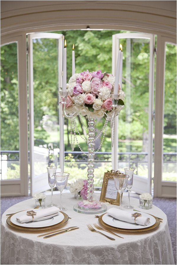 gold pink white wedding table