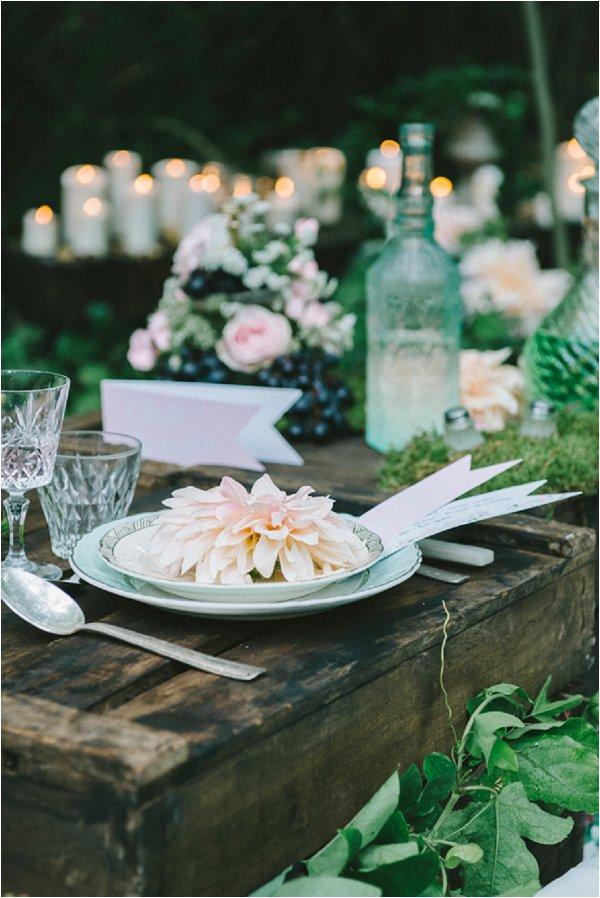rustic outdoor wedding table