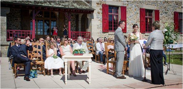 outdoor wedding ceremon