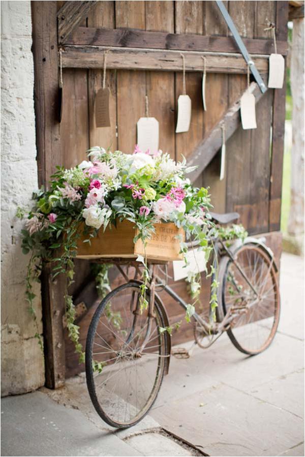 vintage bike and flowers wedding prop