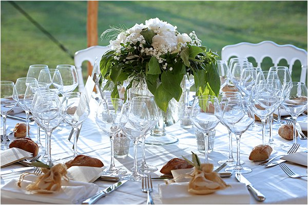 classic fresh wedding table