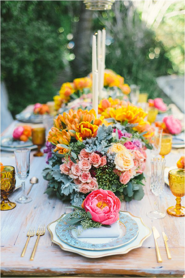 Bright Spring Wedding table