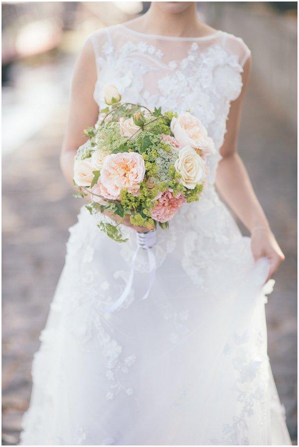 blush coloured bouquet