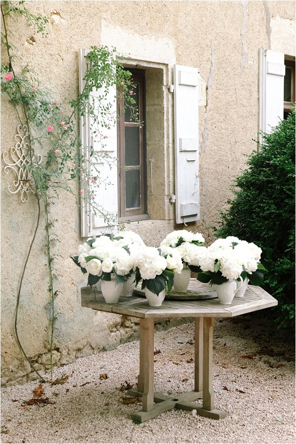 white weding day flowers