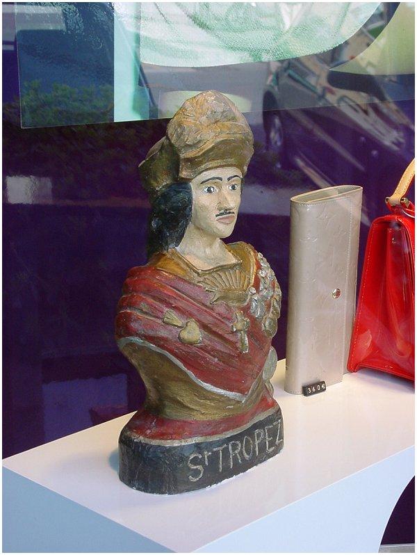 Saint Tropez bust