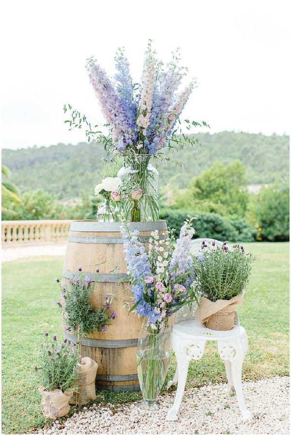 pastel rustic floral decorations