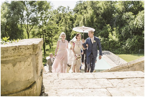 planning a wedding near Bordeaux