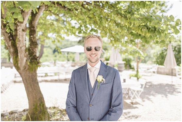 summer groom style