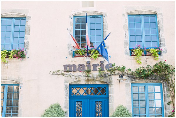 blue shutters at Mairie's office