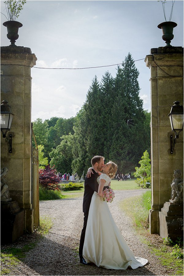 Romantic wedding at Chateau de la Bucherie