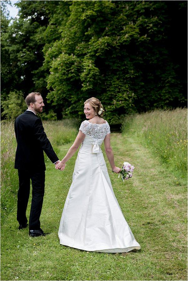 Romantic wedding in Paris countryside
