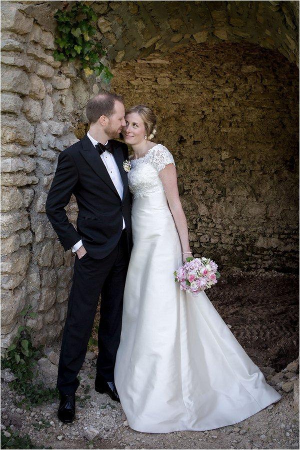 Romantic wedding outside Paris