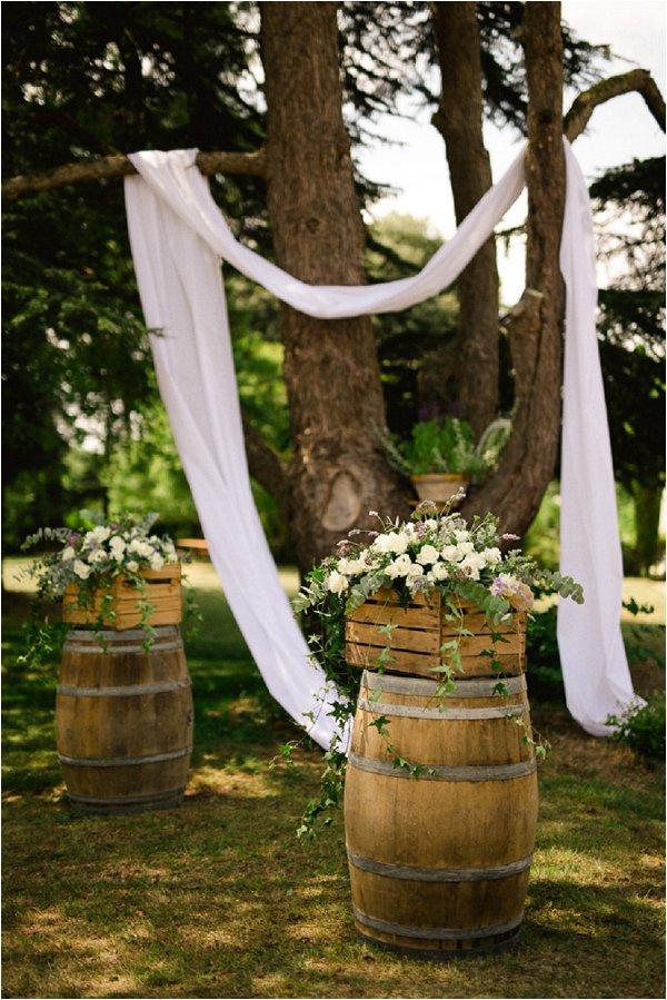 chateau-malliac-rustic-wedding-decor