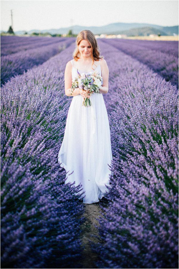 bride in lavender field in Provence