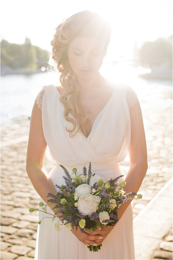 lavender and white wedding bouquet