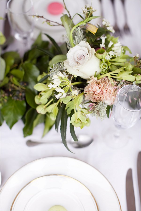 pretty wedding table flowers