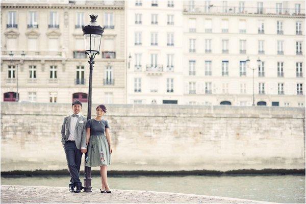 Asian engagement portraits Paris