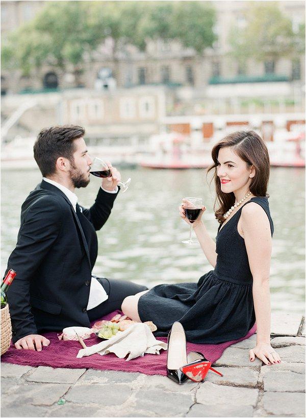 Romantic picnic in Paris
