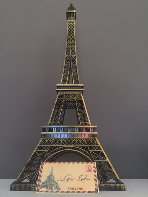 eiffel tower wedding centrepiece