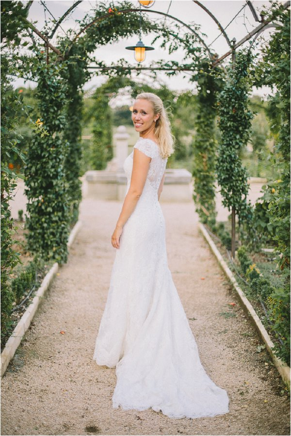 how to pose for bridal portraits