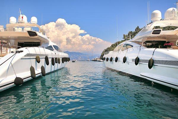 Bespoke Yacht Charter 02