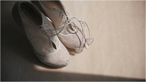 Lace bridal shoes with heart laces