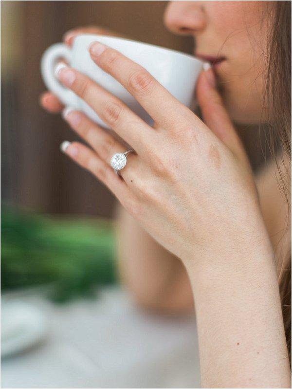 Stunning diamon engagement ring in Provence Wedding inspiration photo shoot