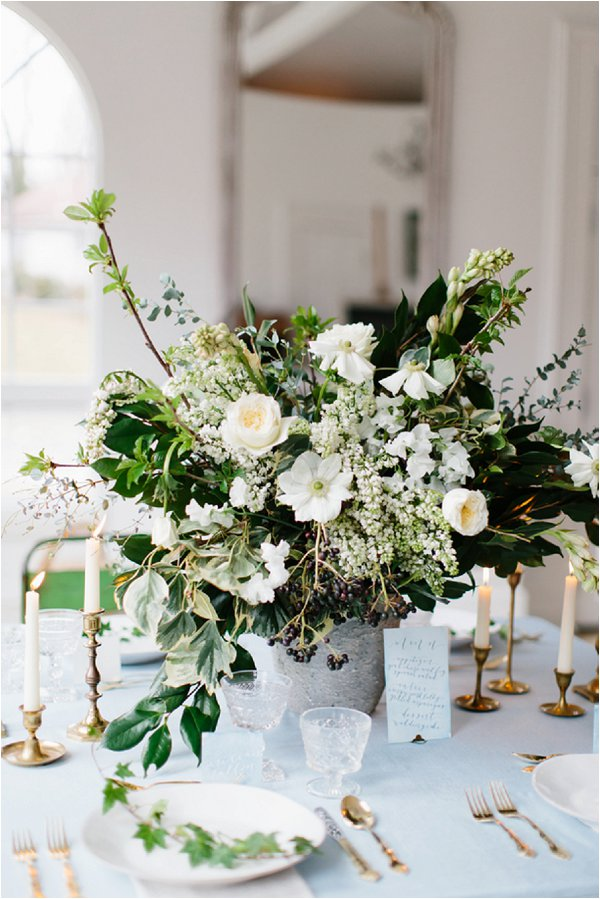 oversize white and green wedding centre