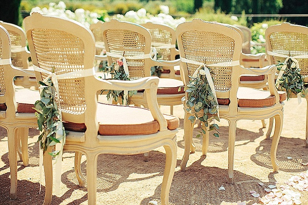 Outdoor ceremony seating decor