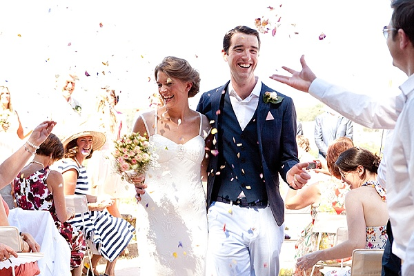 Relaxed French weekend wedding