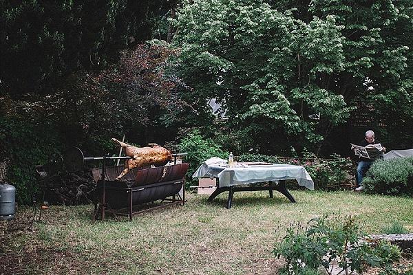 Relaxed garden party wedding ideas