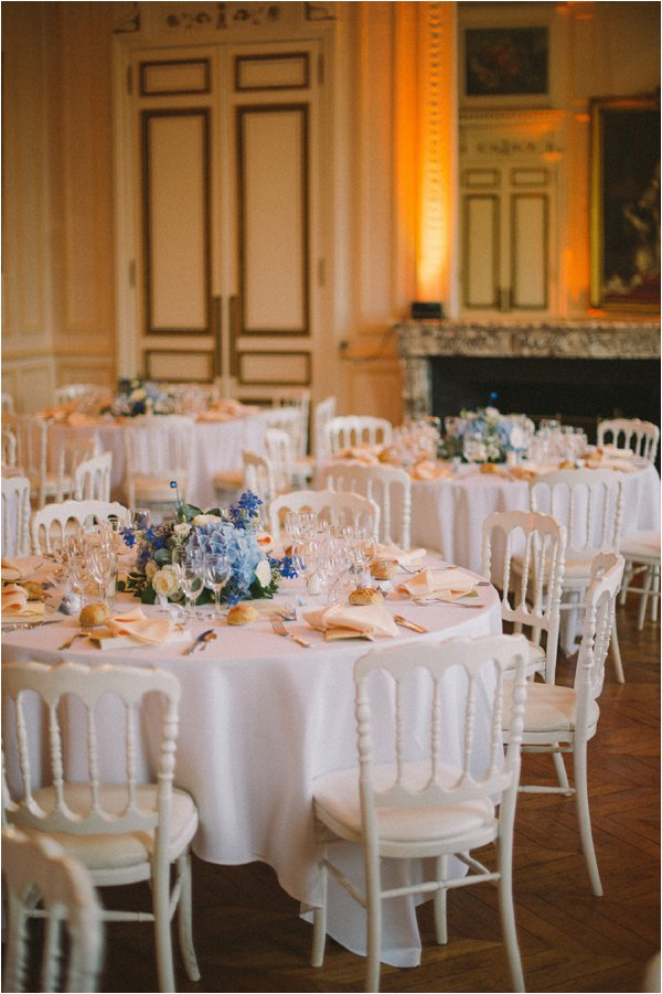 Simple and elegant blue and white table decor