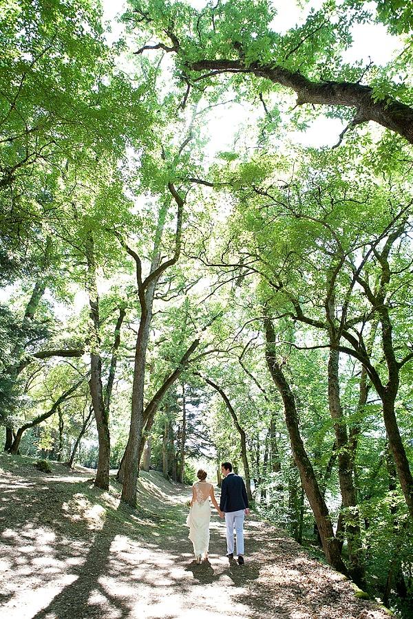 bride and groom photo ideas outdoor