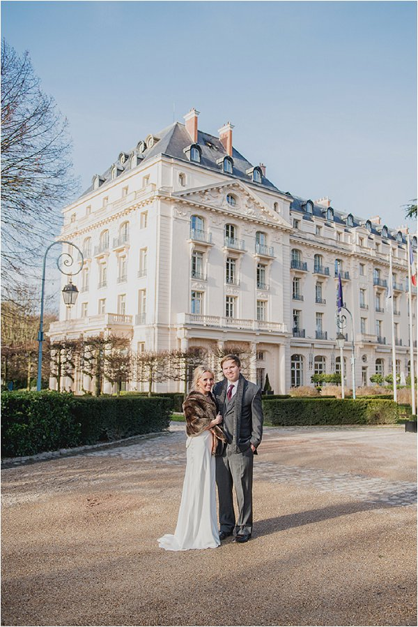 Bride and Groom outside the hotel Trianon