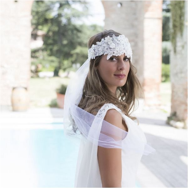 French bridal hair accessory