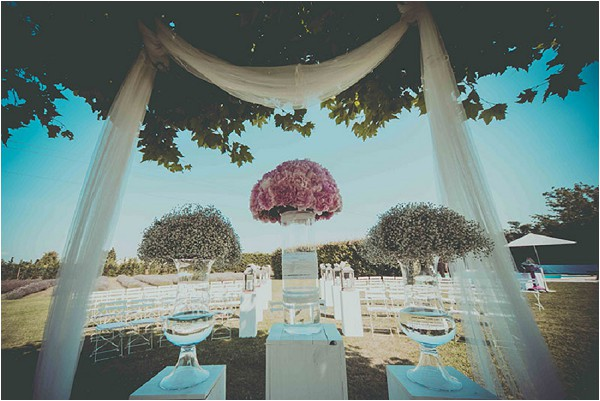 outdoor ceremony wedding Luberon Provence