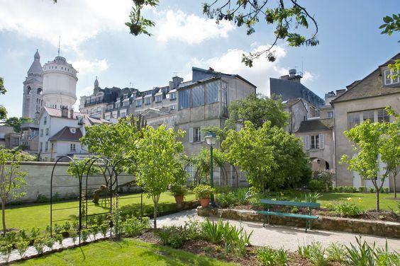 Renoir Gardens
