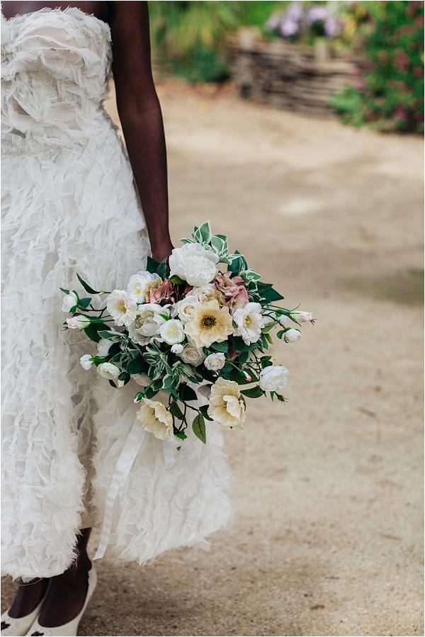 oversize hand bouquet in Paris