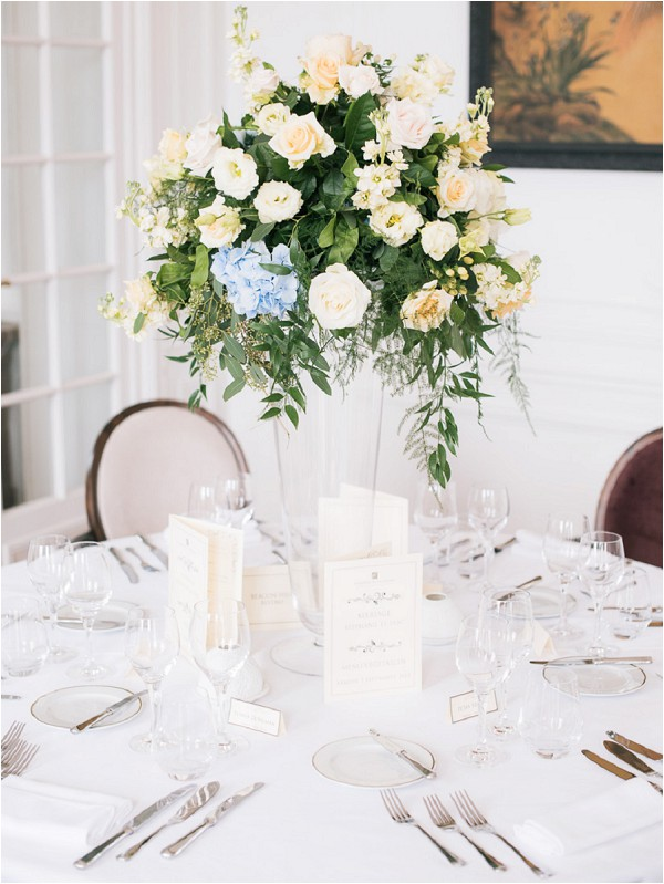 oft peach and blue tablecentre