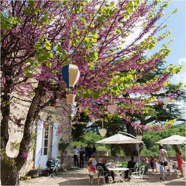 summer wedding in French Chateau