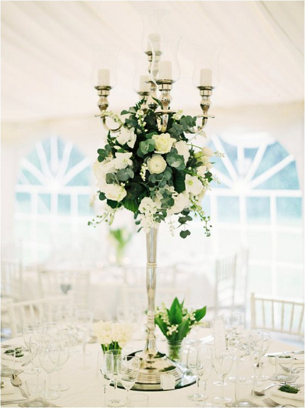 white wedding flowers as tablecentres