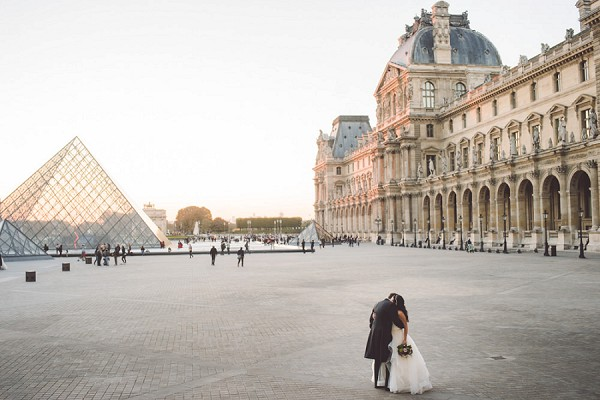 Louvre Museum Wedding Picture