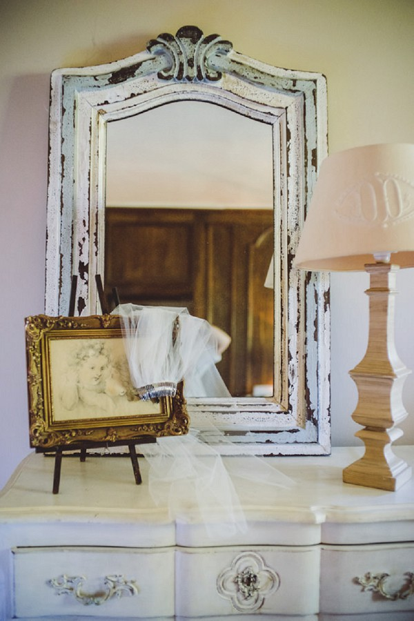 Pretty manor house details