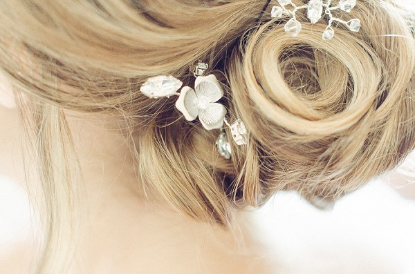 Pretty updo hair jewelry