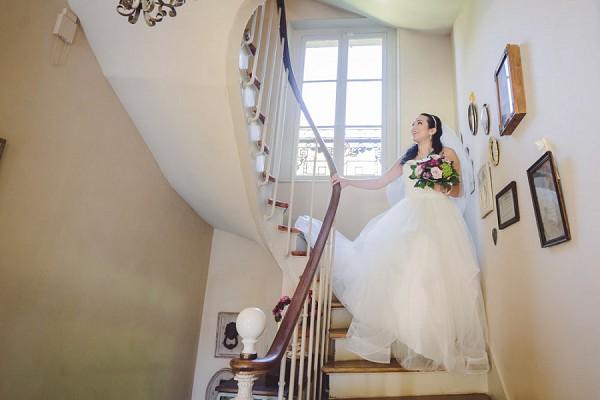 Staircase Wedding Photo Idea