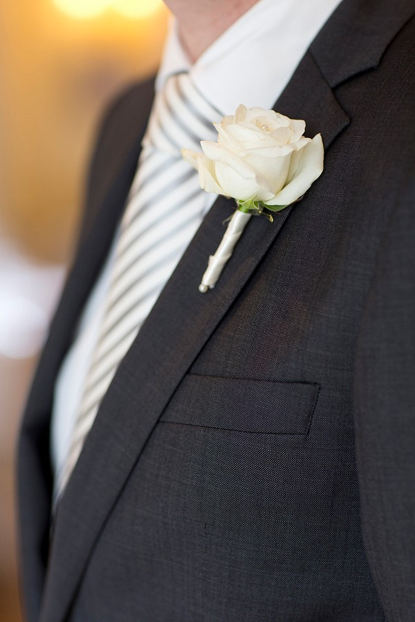 simple groom boutonniere