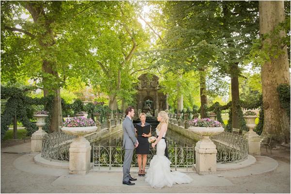 wedding in public gardens in Paris