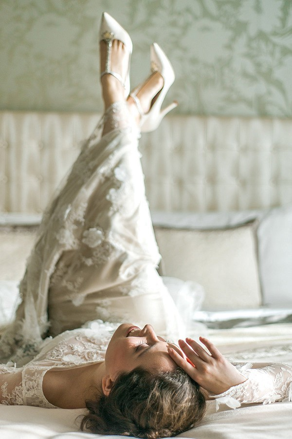 Boudoir bridal photography idea